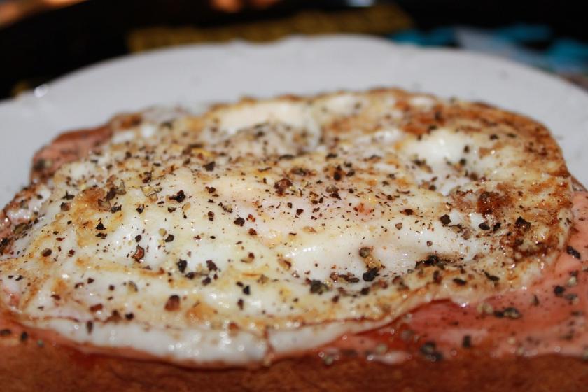 Skipper's Fried Egg Sandwich