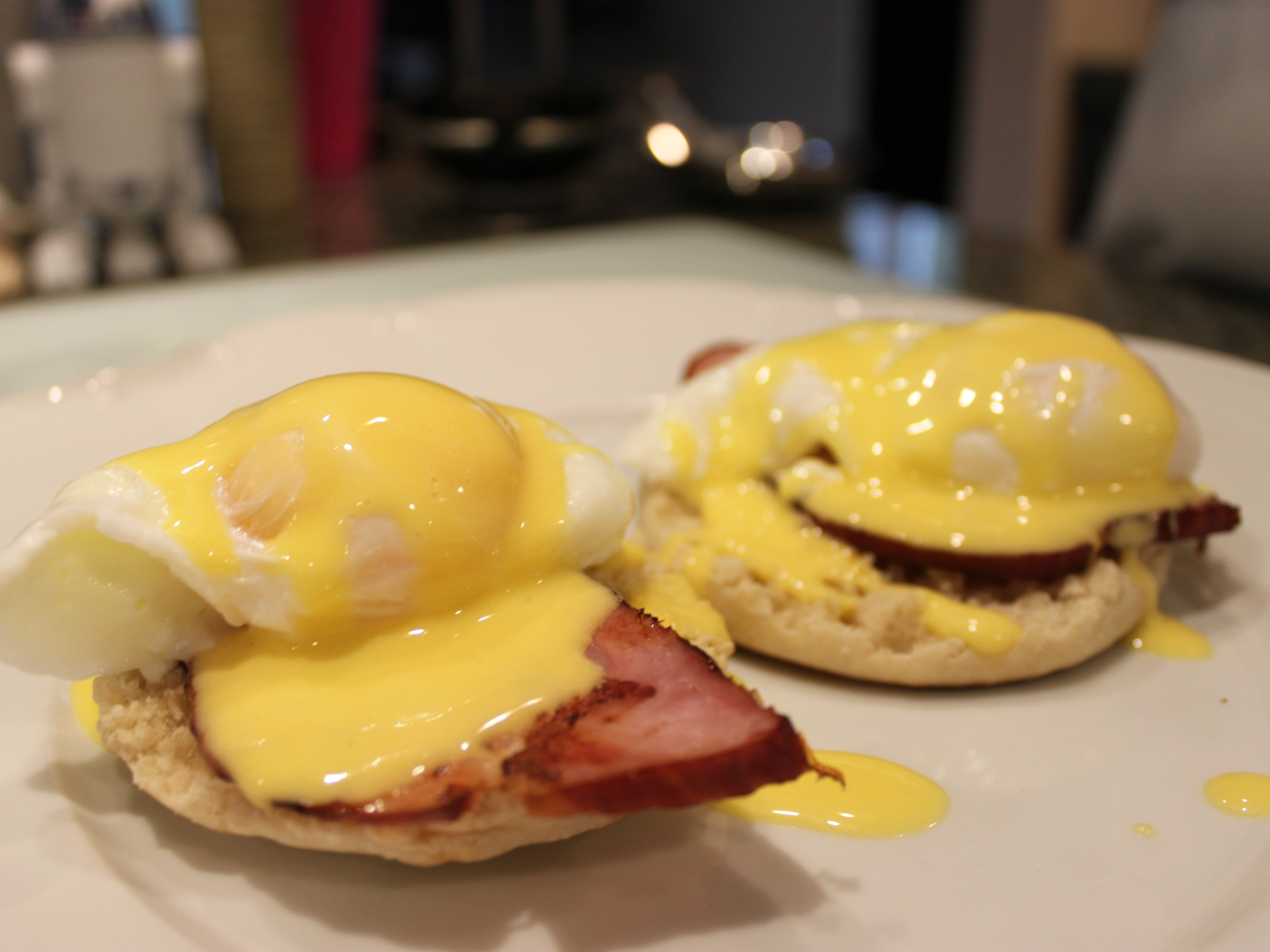 Classic eggs Benedict with fresh Hollandaise